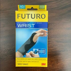 Futuro left wrist brace